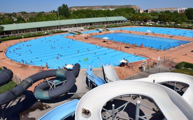 Piscinas en la rioja awesome la piscina de la casa de for Camping en la rioja con piscina