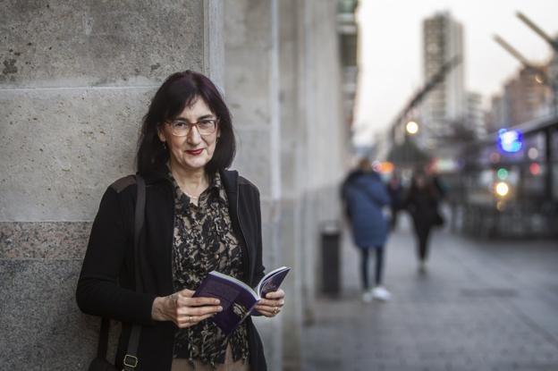 Isabel Lizarraga, ayer en la logroñesa Gran Vía. :: /Justo Rodriguez