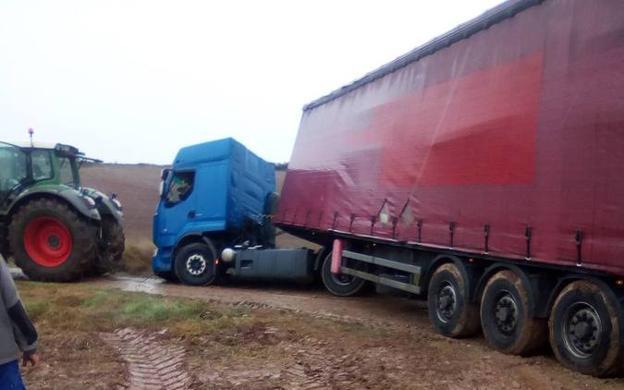 24 de enero de 2019: otro camión varado en Cirueña