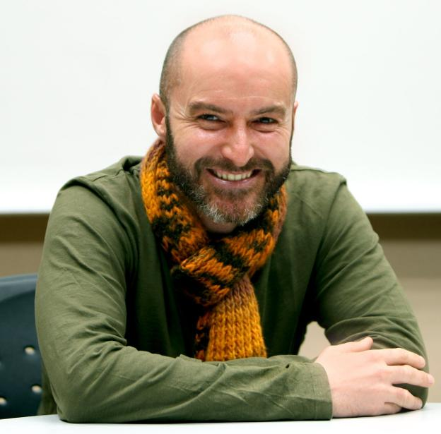 El autor y periodista riojano Eduardo Viladés. / E. DEL RÍO